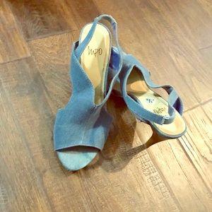 """Shoes, 4"""" heels, Denim, excellent condition"""